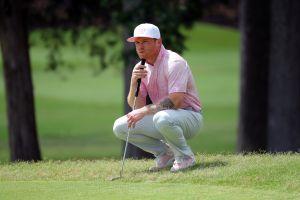 """Saúl """"Canelo"""" Álvarez intercambió combinaciones con Stephen Curry mientras jugaban golf en 'sparring' de campeones [Video]"""