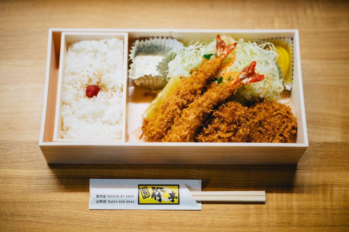 Las bases más comunes para la mayoría de los platos de inspiración asiática incluyen fideos y arroz.