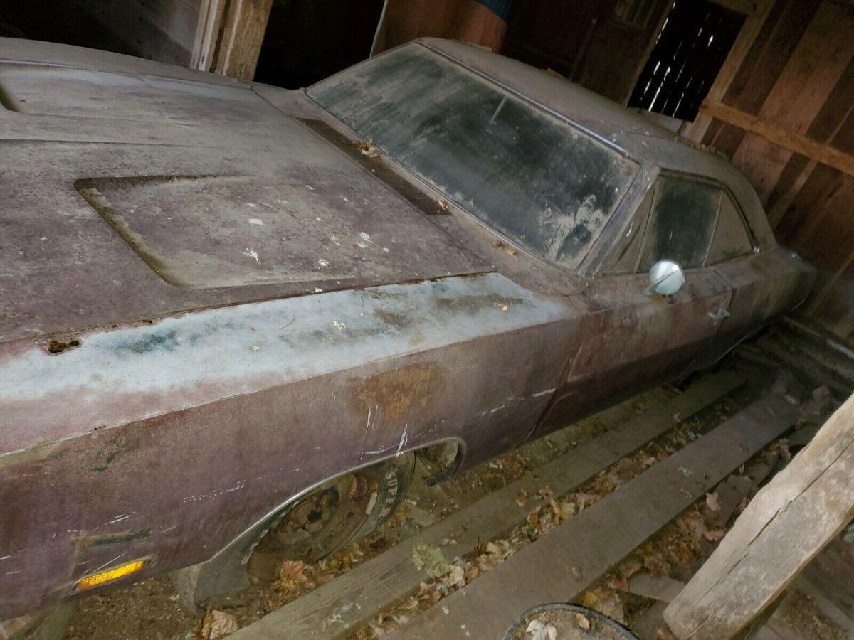 Foto del Dodge Charger 1969 hallado en el granero