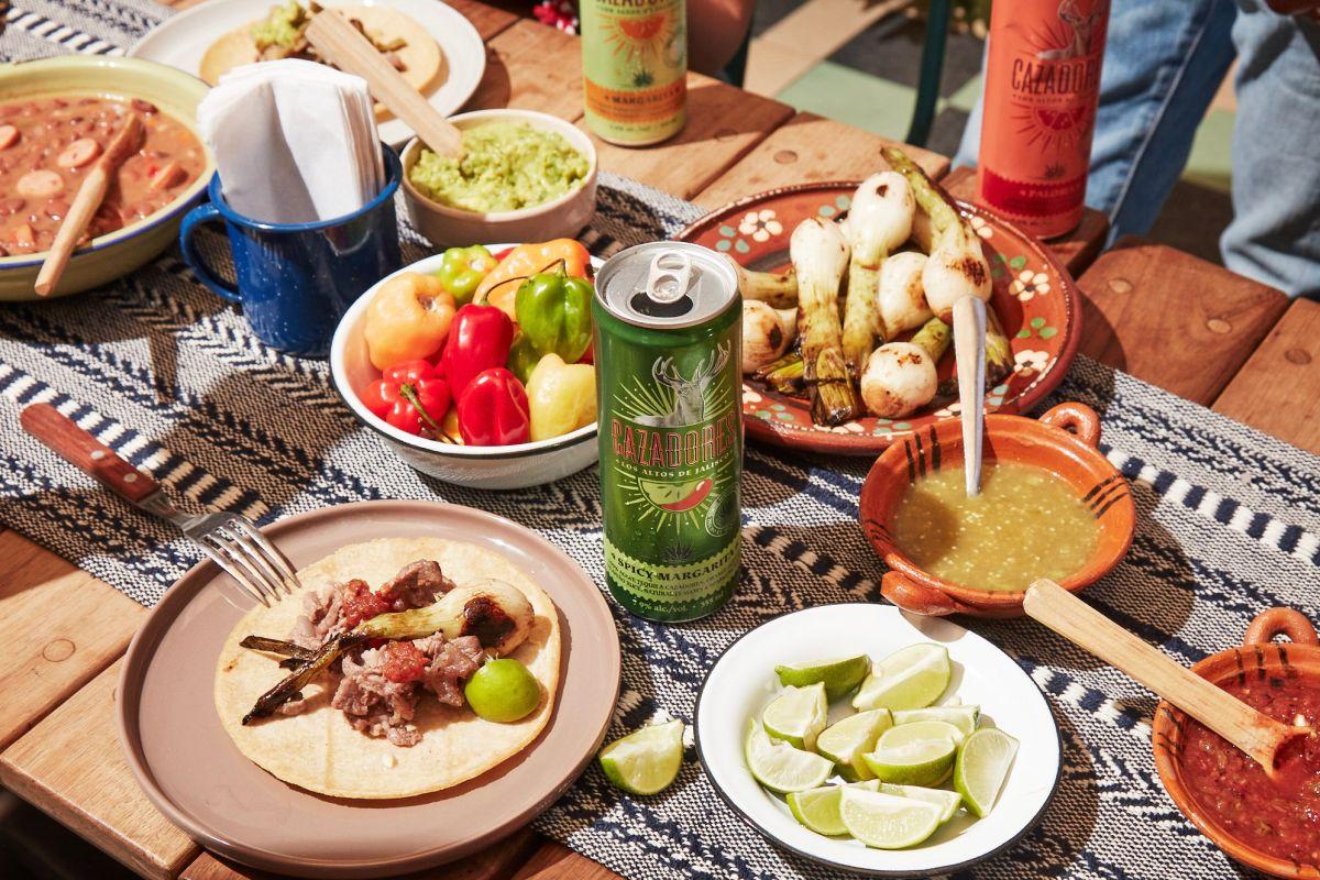 Celebra el Día Nacional del Tequila con tus amistades o con tu pareja en la casa, preparando estas deliciosas recetas de bebidas con tequila