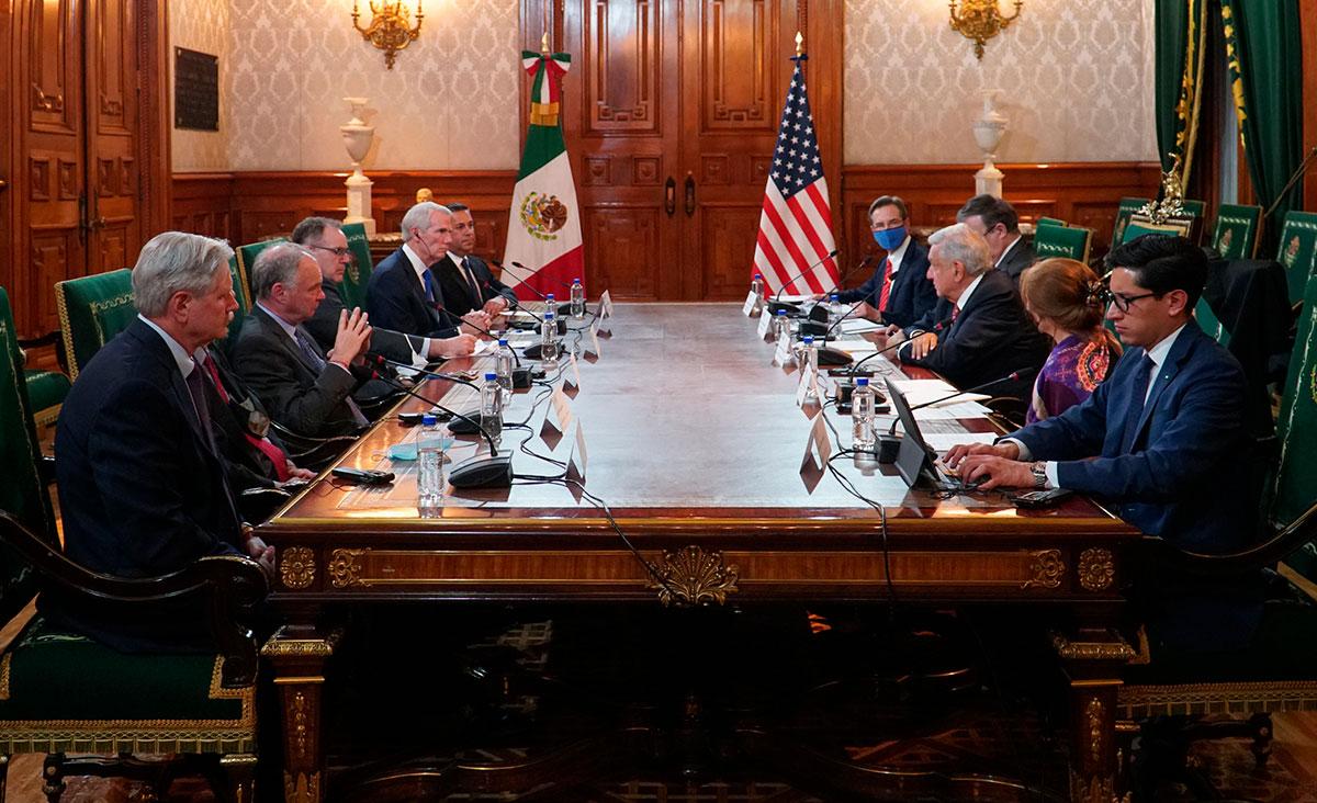 AMLO se reúne con senadores de EE.UU. y dialogan sobre migración, T-MEC y posible reapertura total de la frontera