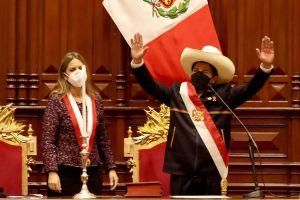 Pedro Castillo asume como nuevo Presidente de Perú