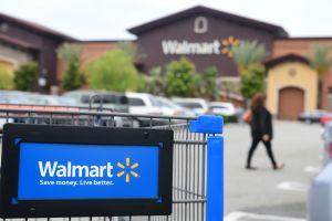 Walmart retira productos de sus tiendas por contaminación con Listeria y advierte a clientes