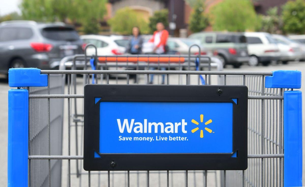 Desde hace unos meses, Walmart está mejorando salarios y prestaciones para sus empleados.