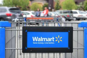 Walmart anuncia que cubrirá la matrícula universitaria de sus empleados y los costos de los libros en algunas escuelas
