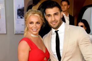 El novio de Britney Spears responde a los rumores de supuesto compromiso