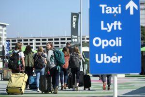 Huelga de conductores de Uber y Lyft: alternativas de transporte compartido que puedes usar en el aeropuerto de Los Ángeles