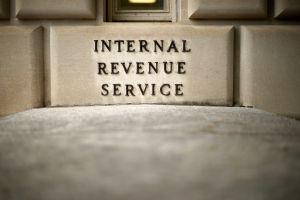 IRS: la poca comunicación frustra a familias por retrasos en la devolución de impuestos