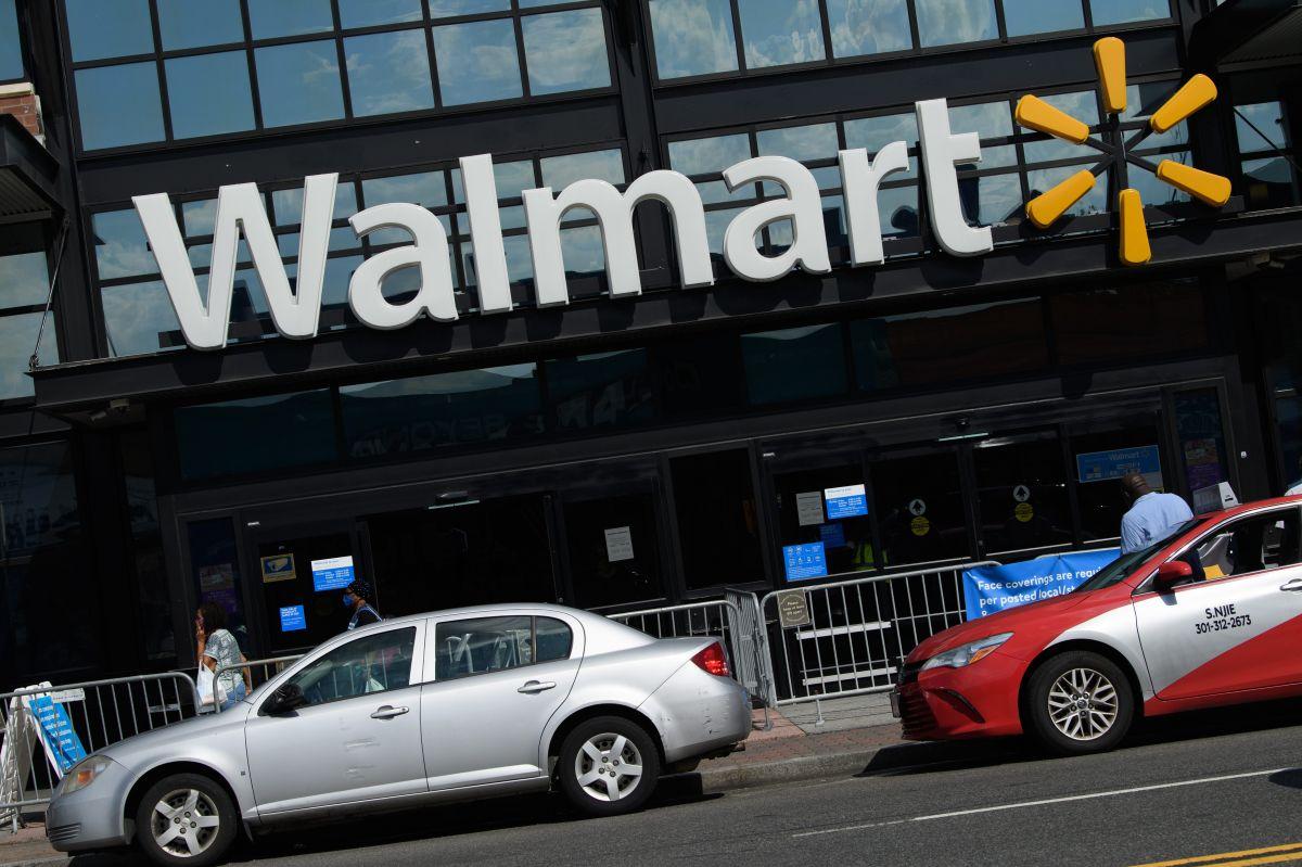 Walmart ha cambiado su política del uso de mascarillas ante el aumento de casos de la variante delta de COVID-19.