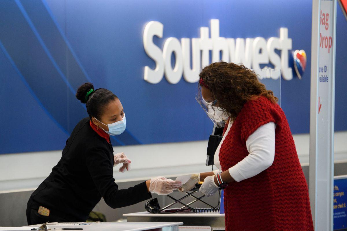 A mediados de junio Southwest Airlines canceló cientos de vuelos cuando informó que un proveedor de datos meteorológicos impidió que sus aviones pudieran volar con seguridad.