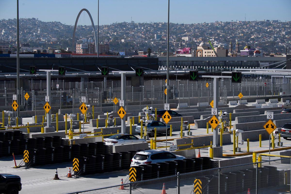 Frontera entre Estados Unidos y México seguirá cerrada un mes más a actividades no esenciales