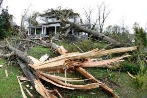 El Medio Oeste de EE.UU. espera tormentas severas y la amenaza de un Derecho con fuertes vientos
