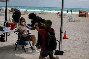 Los casos de coronavirus en Florida saltaron a 50% más en una semana