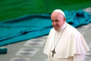 Papa Francisco sale del hospital tras su operación y regresa al Vaticano