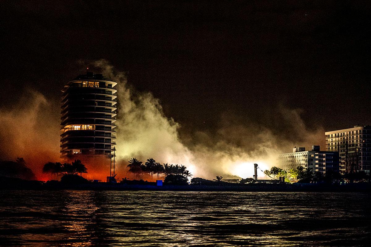 Miami amanece con los escombros de lo que fue el edificio Champlain Towers.