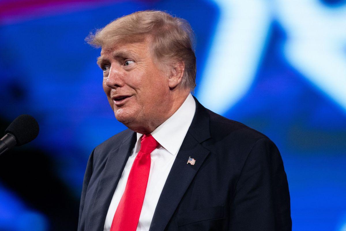 El expresidente Trump volvió a criticar la política migratoria de Joe Biden.