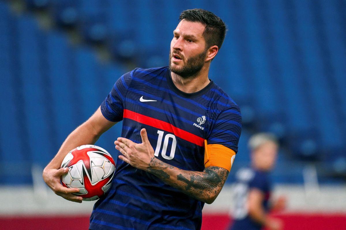 El delantero de Tigres disputó su último torneo con Francia en la Euro 2016.