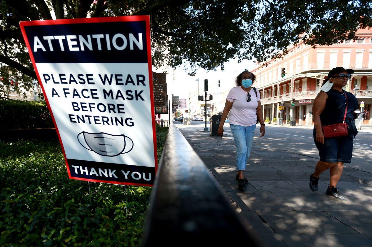Louisiana restableció el uso de mascarillas en interiores recientemente.