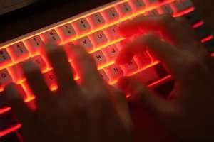 Florida alerta de robo de base datos de desempleo por parte de piratas informáticos
