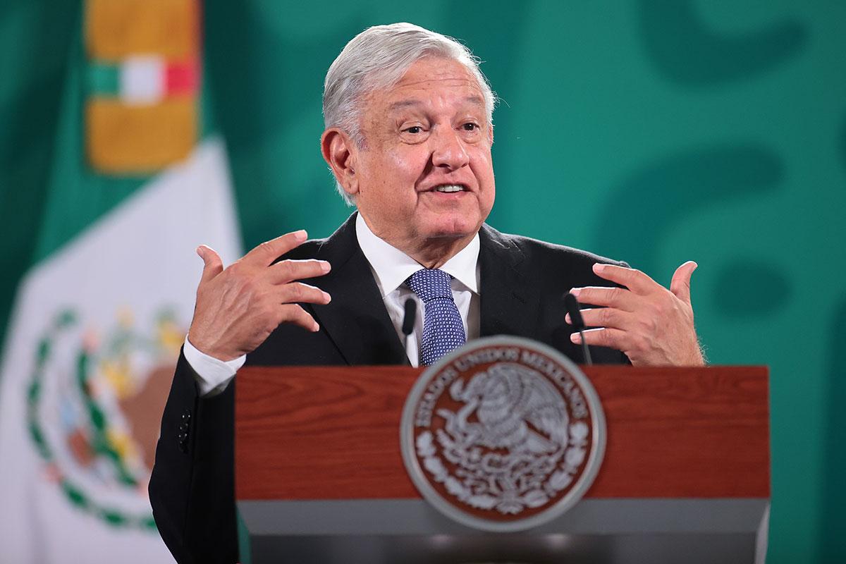 AMLO llama a Biden a que tome una decisión sobre bloqueo económico en Cuba.