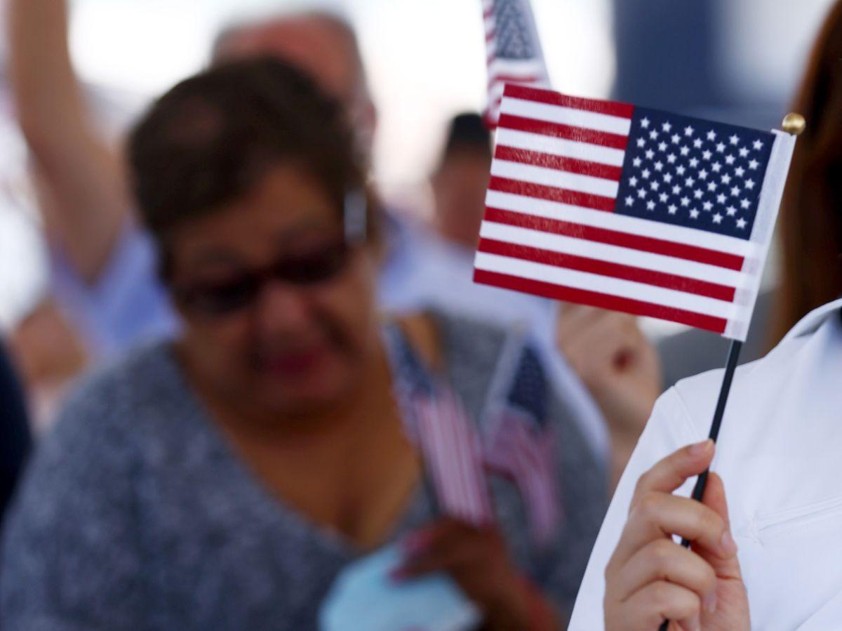 ¿A qué tipos de inmigrantes les conviene que un juez cierre su caso?