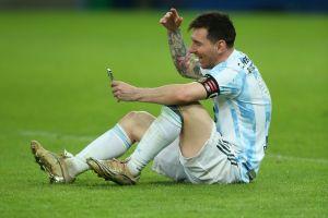 Intenta no llorar: Lionel Messi le envió un video a Hernán, su más grande fan de 100 años de edad