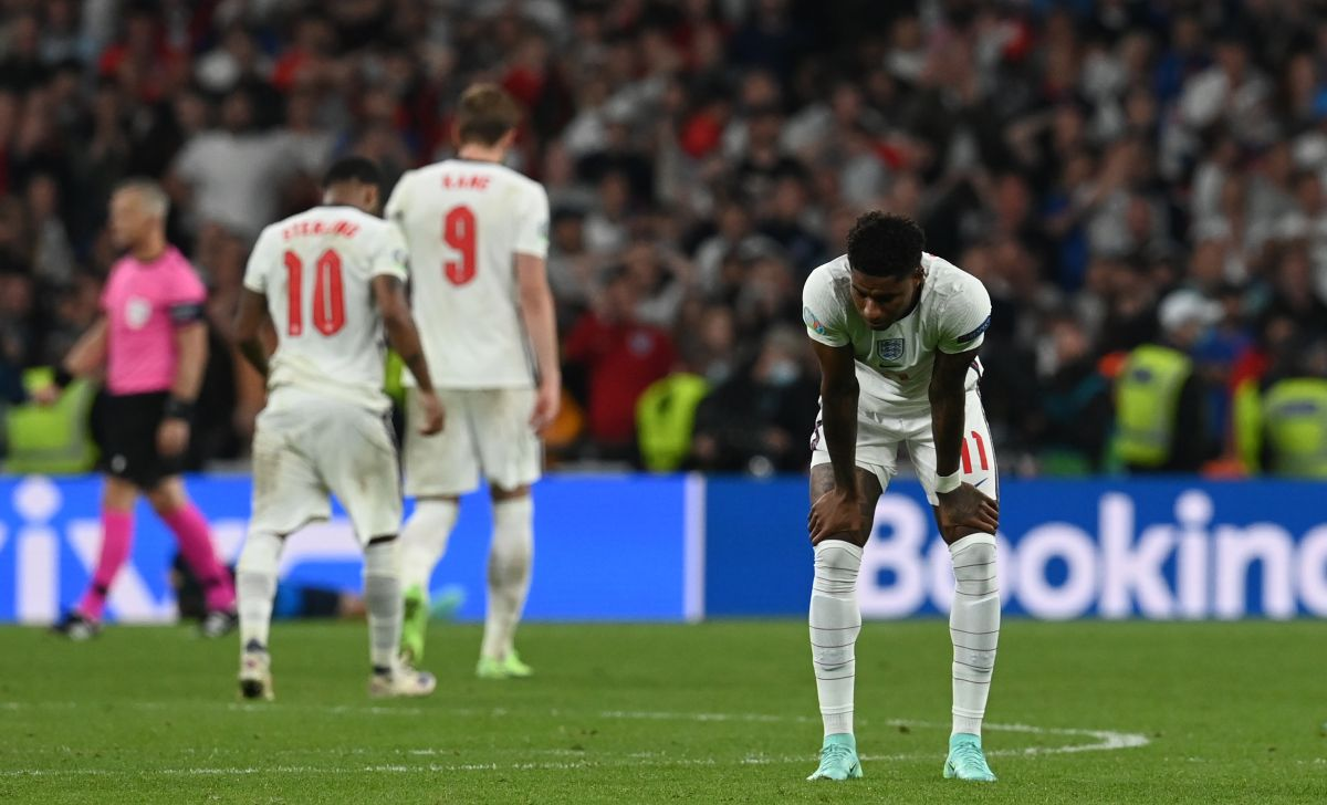 El jugador pidió disculpas por errar el penalti crucial para Inglaterra.