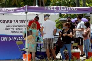 Gobernador de Florida rechaza declarar emergencia por aumento de casos de COVID-19