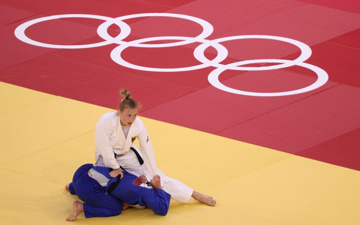 La protagonista del video es la judoca alemana Martyna Trajdos.