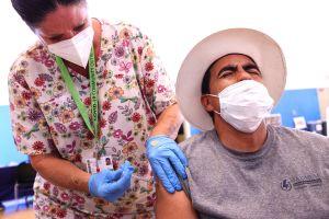 CDC revelará cómo las personas vacunadas contra COVID-19 pueden transmitir la variante Delta