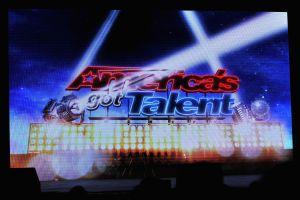 Viudo de entrenadora que murió en el helicóptero de Kobe Bryant sorprende con su participación en 'America's Got Talent'
