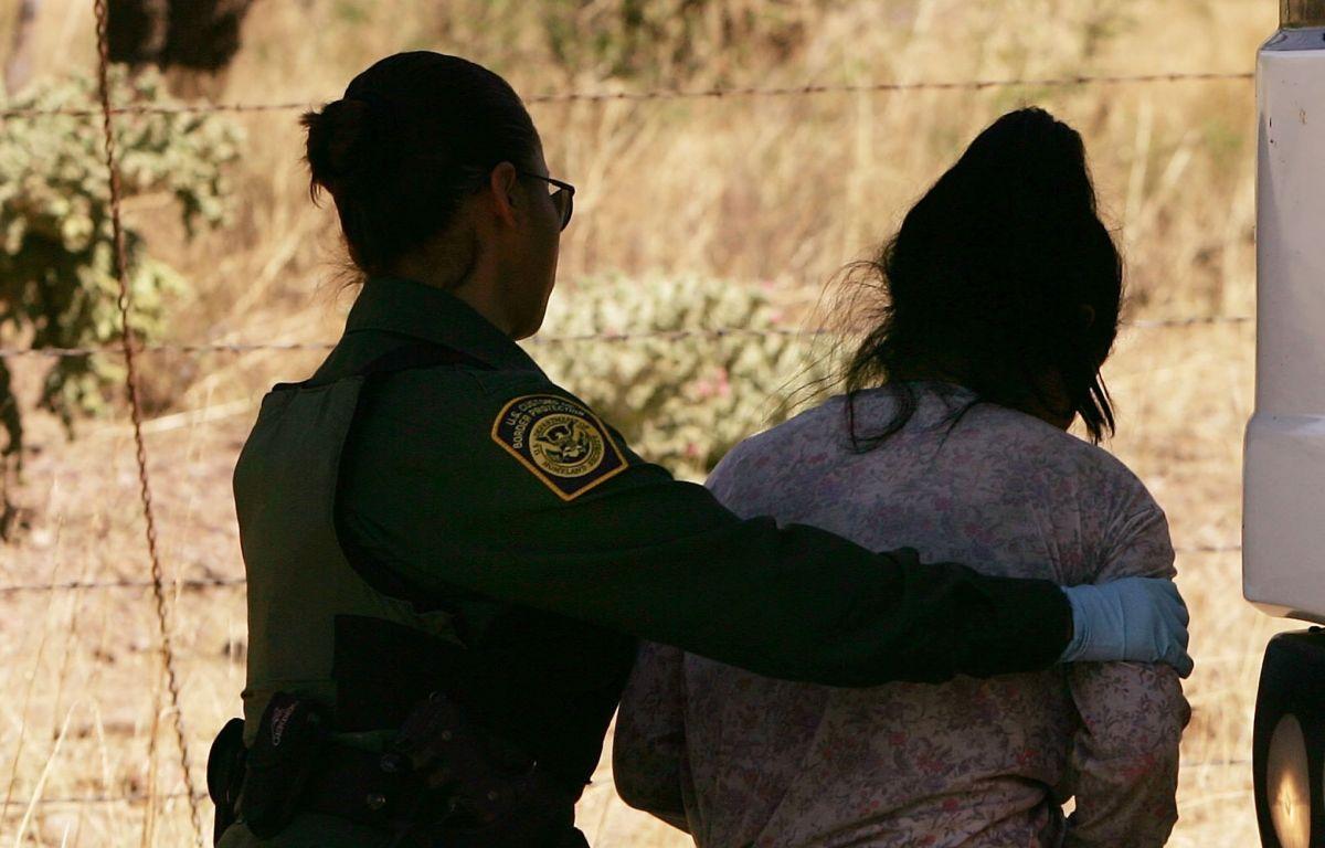 """Migrante latina suplica a la Patrulla Fronteriza: """"Ya no me regresen más"""""""