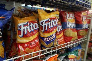 """Los trabajadores de Frito-Lay se declaran en huelga y piden el fin de los """"turnos suicidas"""""""