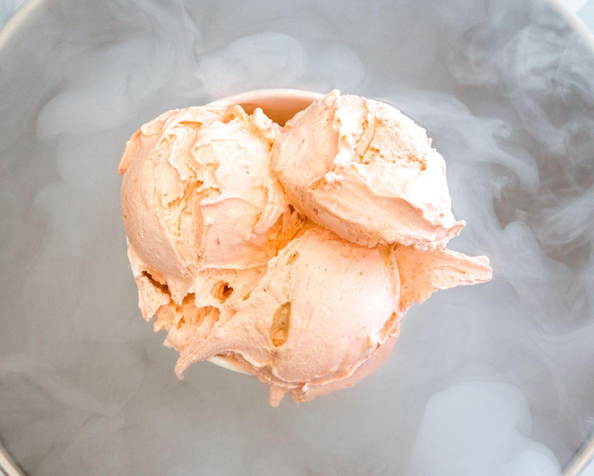 El helado de Jefferson es de sabor vainilla.