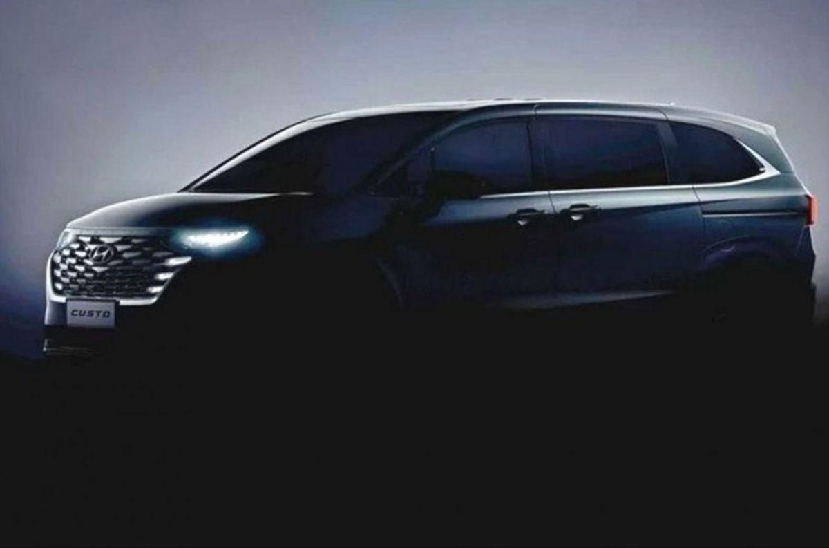 Un nuevo monovolumen de Hyundai se deja ver