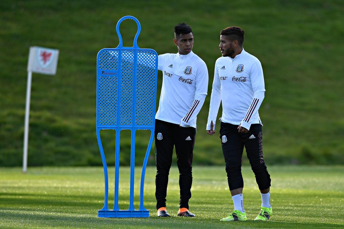 Efraín Alvárez y Jonathan Dos Santos son compañeros de equipo en LA Galaxy.