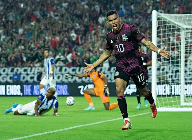 México liquida a Honduras en medio partido y avanza a las semifinales de la Copa Oro con triunfo de 3-0