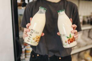 Cuál es la leche vegetal con más proteínas y calcio