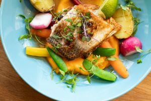 Quienes siguen una dieta mediterránea tienen menores posibilidades de contraer COVID-19 o de sufrirlo levemente, según investigación