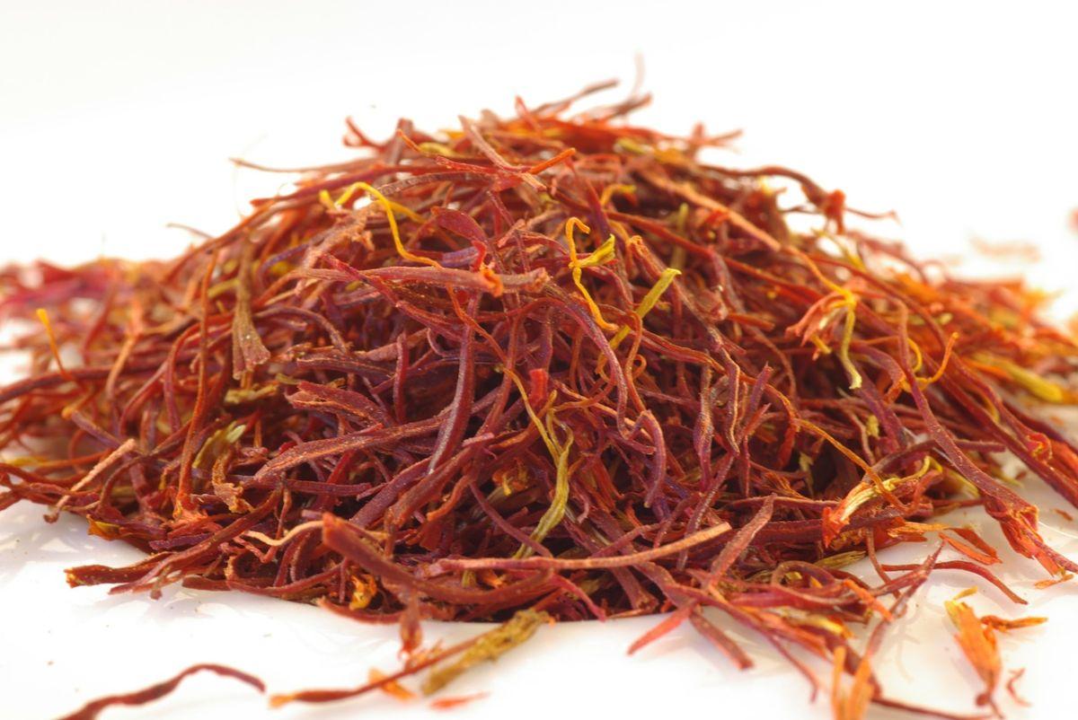 El té de azafrán puede mejorar tu estado de ánimo y favorecer la memoria