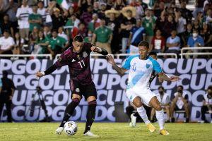 En Argentina se burlan de Funes Mori por jugar con el Tri