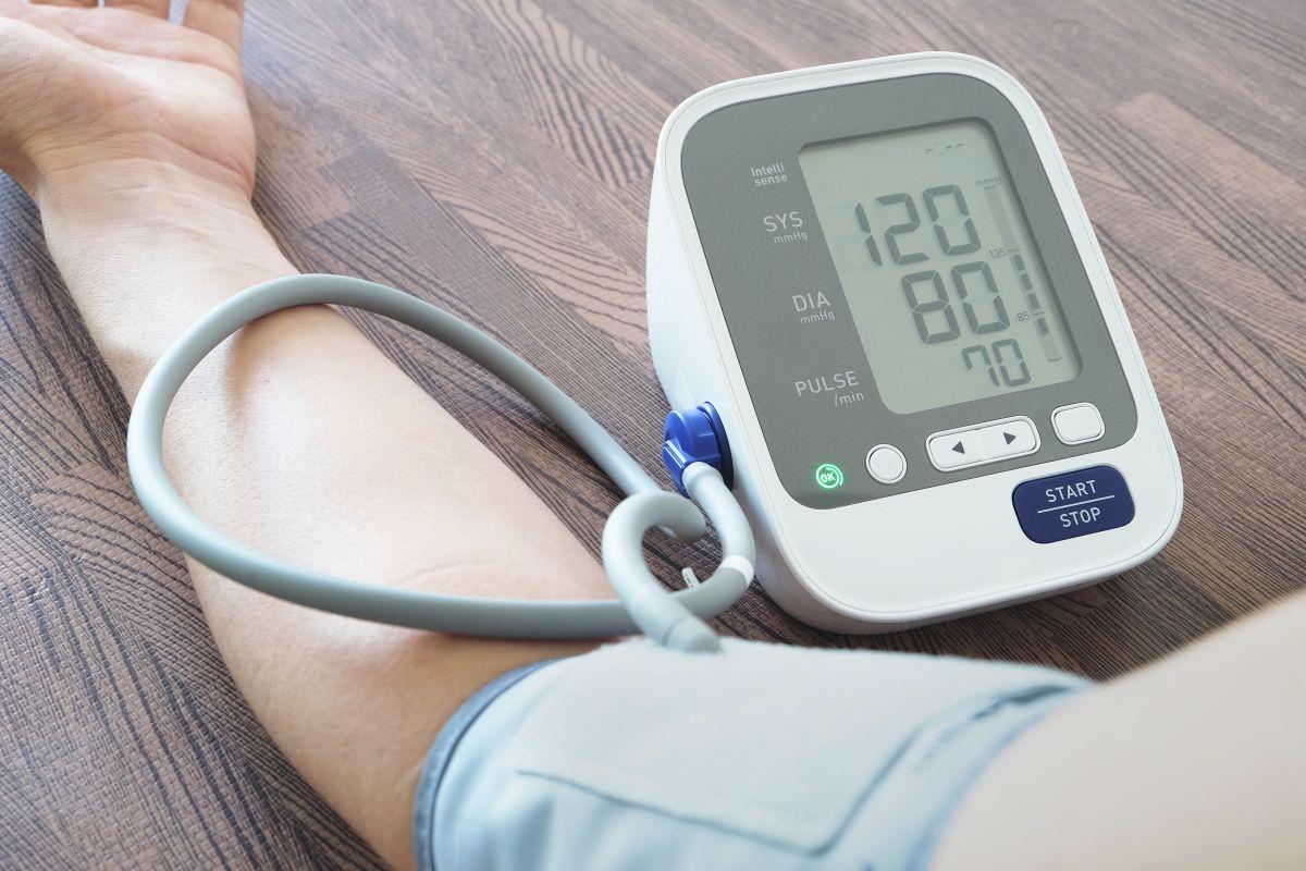 Si sufres de hipertensión, es importante que le des a tu salud el control y cuidado adecuados