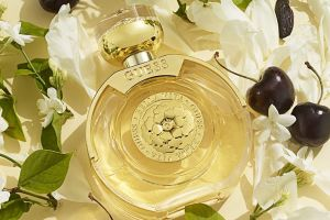 5 perfumes elegantes de mujer para usar en una cita romántica