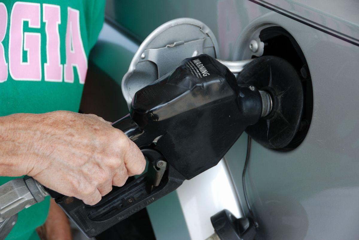 Paso a paso: cómo poner gasolina correctamente en tu auto por tu cuenta en Estados Unidos