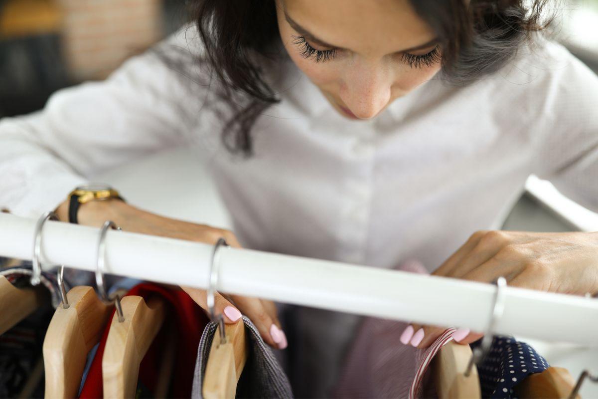 Decidir que atuendo llevar a una entrevista de trabajo es muy importante, para evitar errores, puedes guiarte por estas prendas básicas con las que siempre causarás muy buena impresión