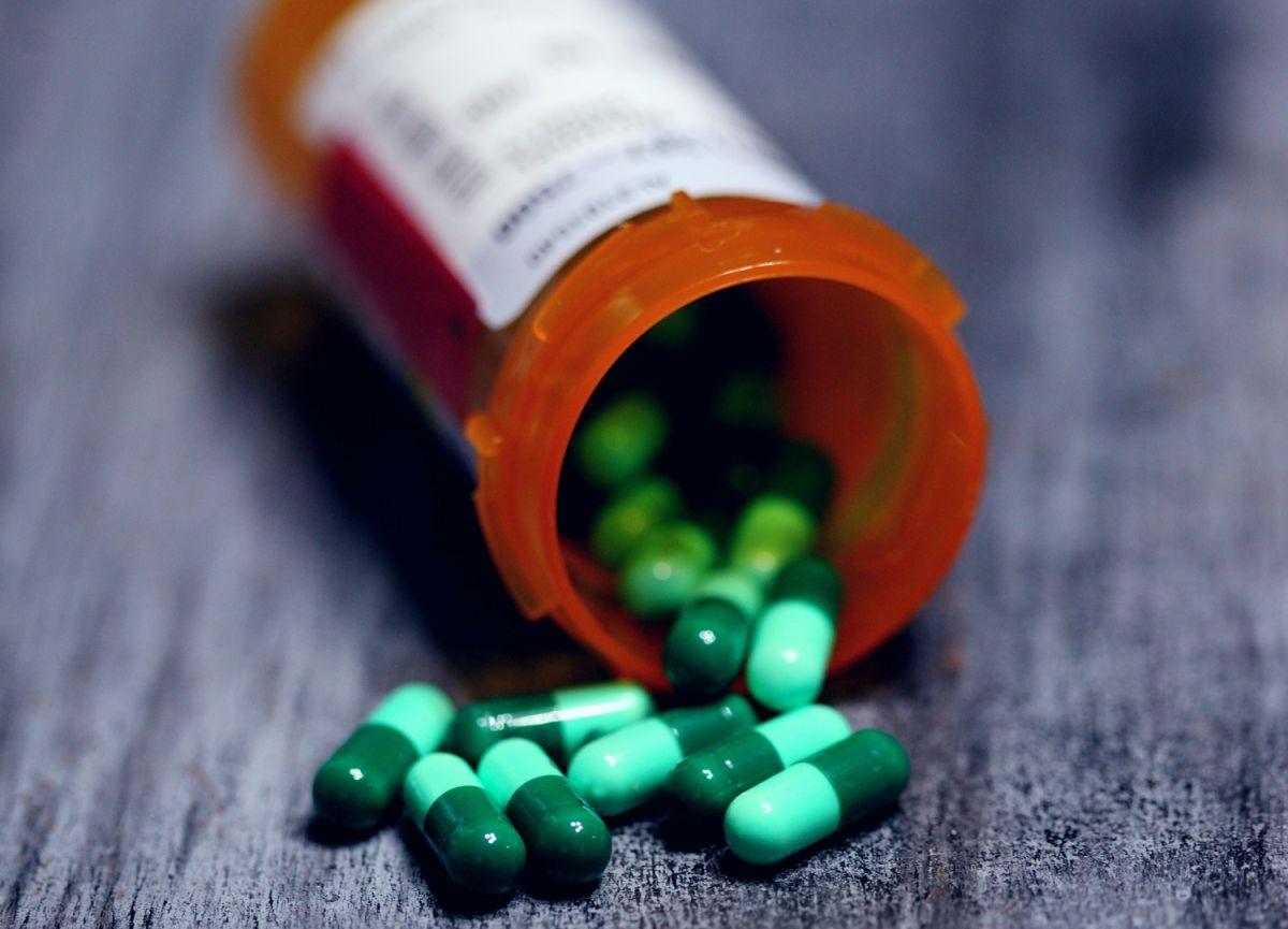 Los opioides pueden estar presentes en medicamentos recetados.