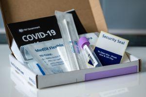Ahorra con estas pruebas rápidas de COVID para tener en casa o negocios