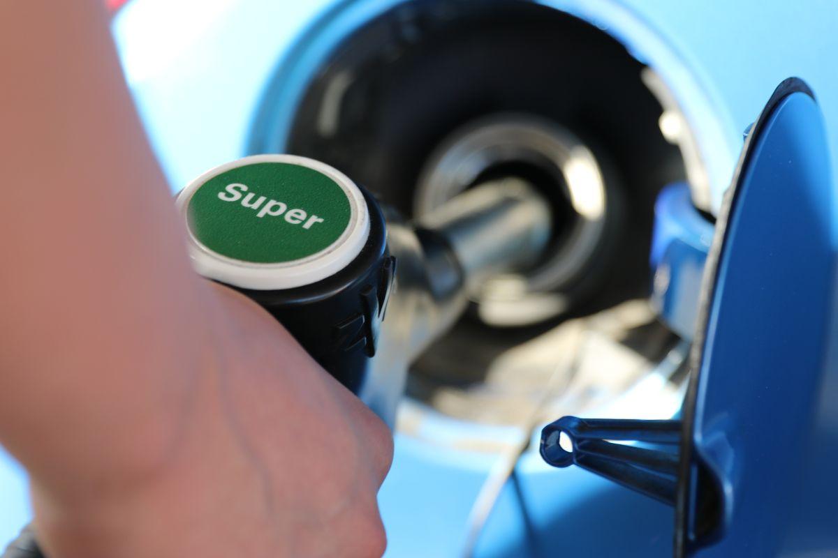 Gasolina: cuál es el nivel recomendado para llenar el tanque
