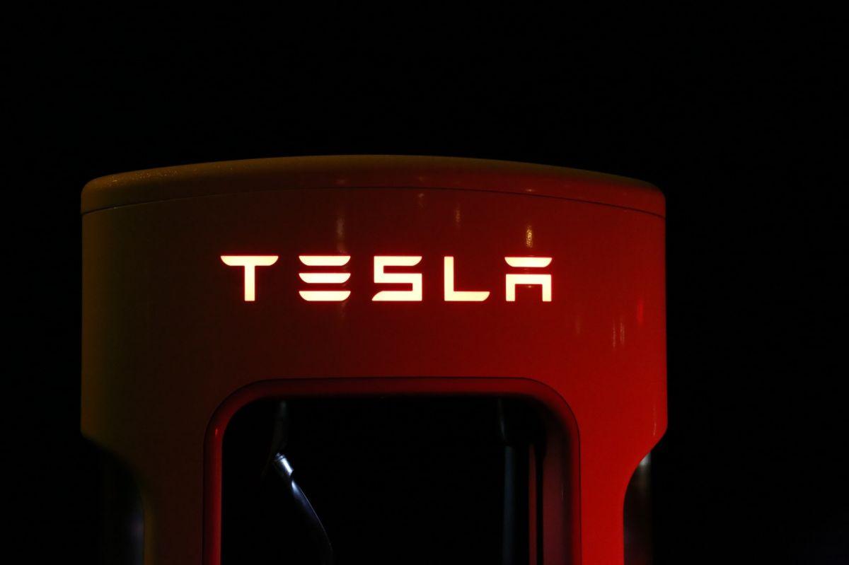 El CEO de Tesla, Elon Musk, dijo que posiblemente la empresa retome los pagos con criptomonedas.
