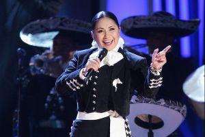 Guatemalteca que hace tortillas se vuelve viral por su forma de cantar, la comparan con Ana Gabriel